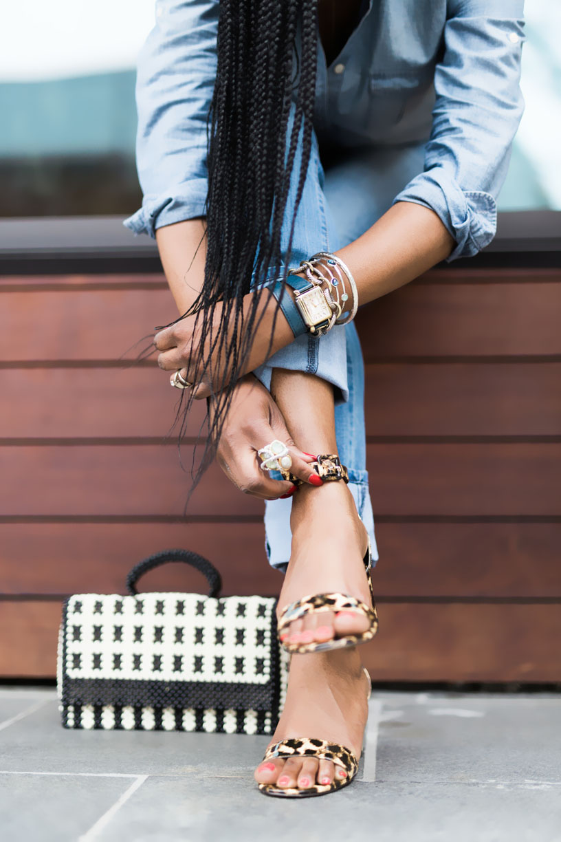 BLOGGER WEARING LEOPARD SHOES.jpg