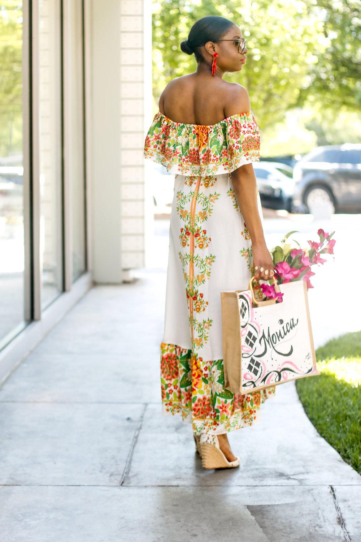 STYLE BLOGGER WEARING LONG FLORAL DRESS.jpg