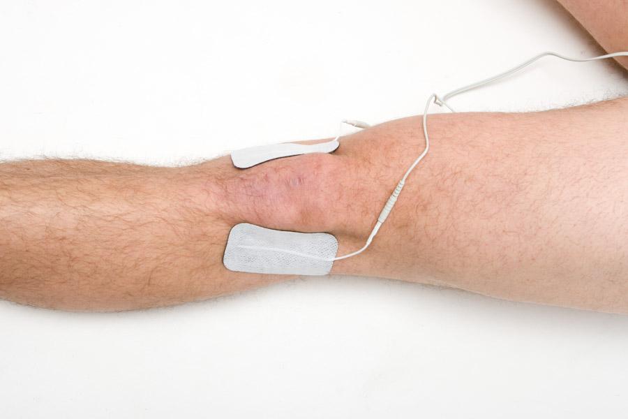 knee injury electrode placement