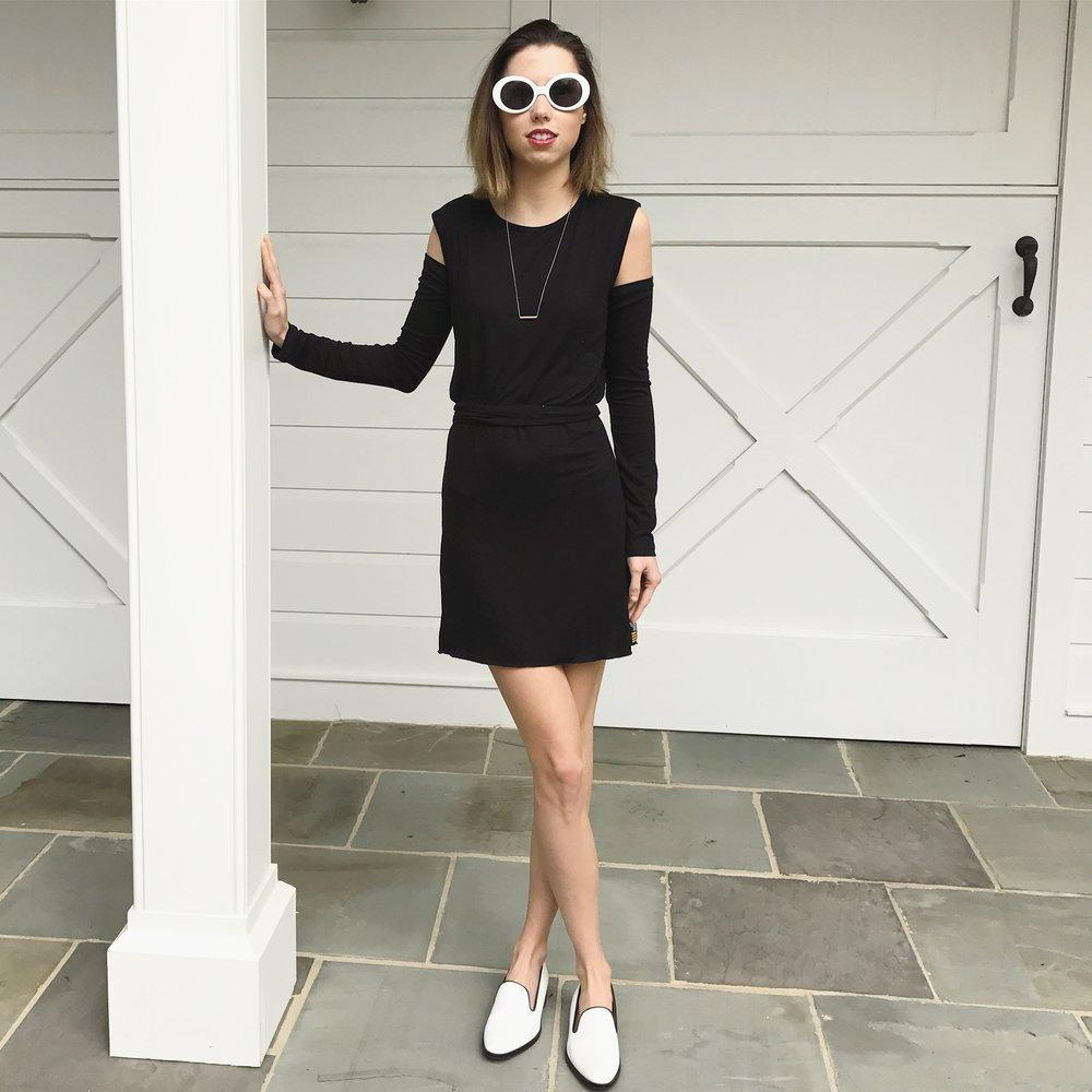 Unique Travel Set (Black Dress, Removable Sleeves, and belt)