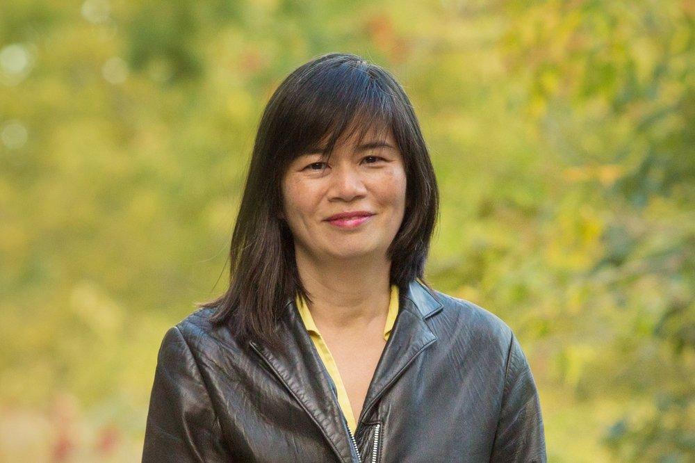 Gayle Nakamoto Headshot.jpg