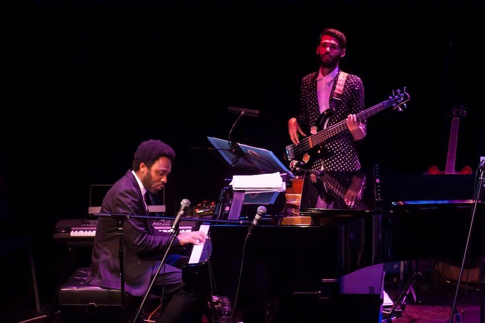 El-pianista-Dayramir-González-y-el-bajista-Wilfredo-Fuentes.jpg