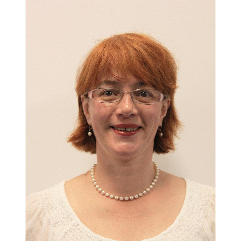 Dr. Alexandra Csavdari