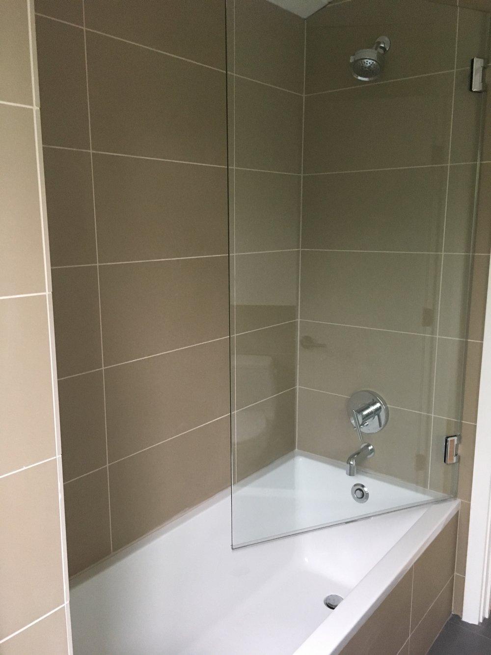 Funky Tub B Collection - Bathroom and Shower Ideas - purosion.com