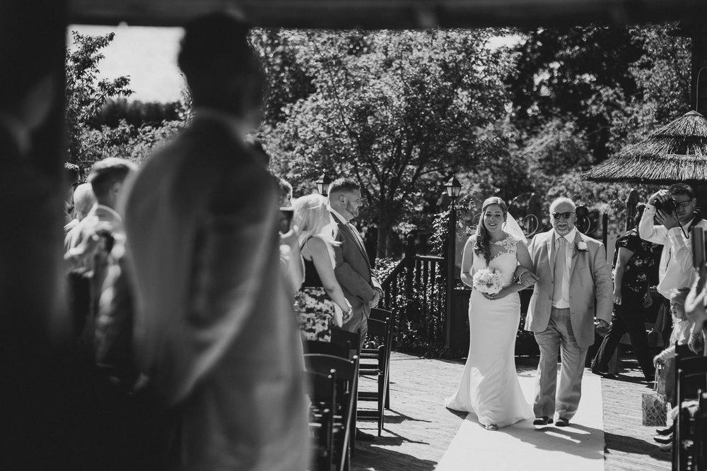 Barnyard-Kent-wedding-28.jpg