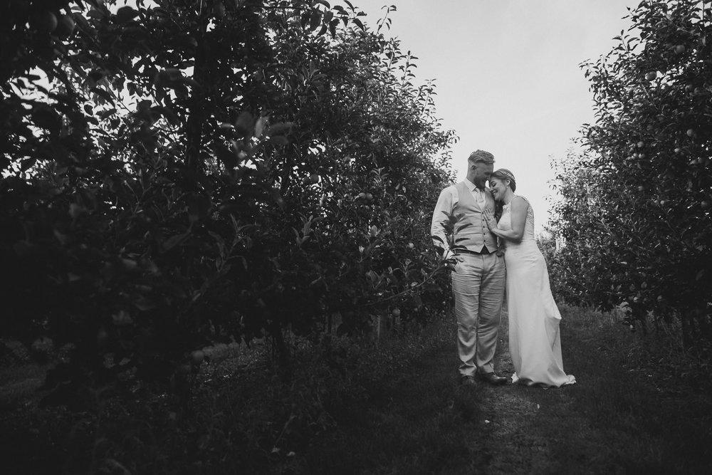 Barnyard-Kent-wedding-55.jpg