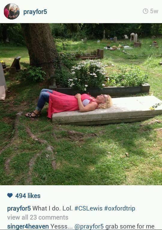 grave-1.jpg