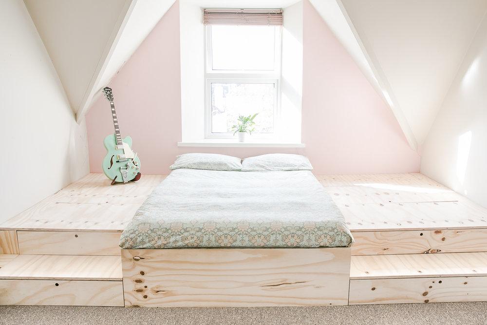 Platform bed by   kareem