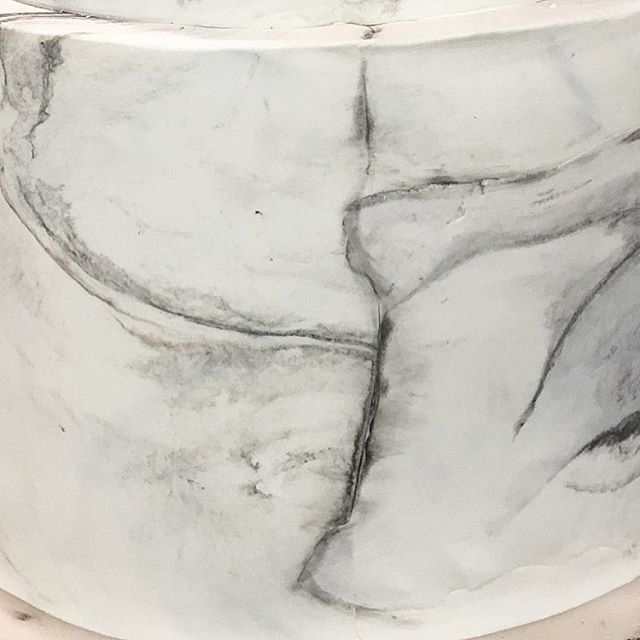 The best thing about making marble is it will never look the same twice! Every time you move, stretch, or pull it you change it and being unique is a beautiful thing ❤️