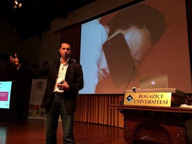 """Mustafa İÇİL """"Dijital Dönüşüme Ayak Uydurmak"""" (Boğaziçi Üniversitesi)"""
