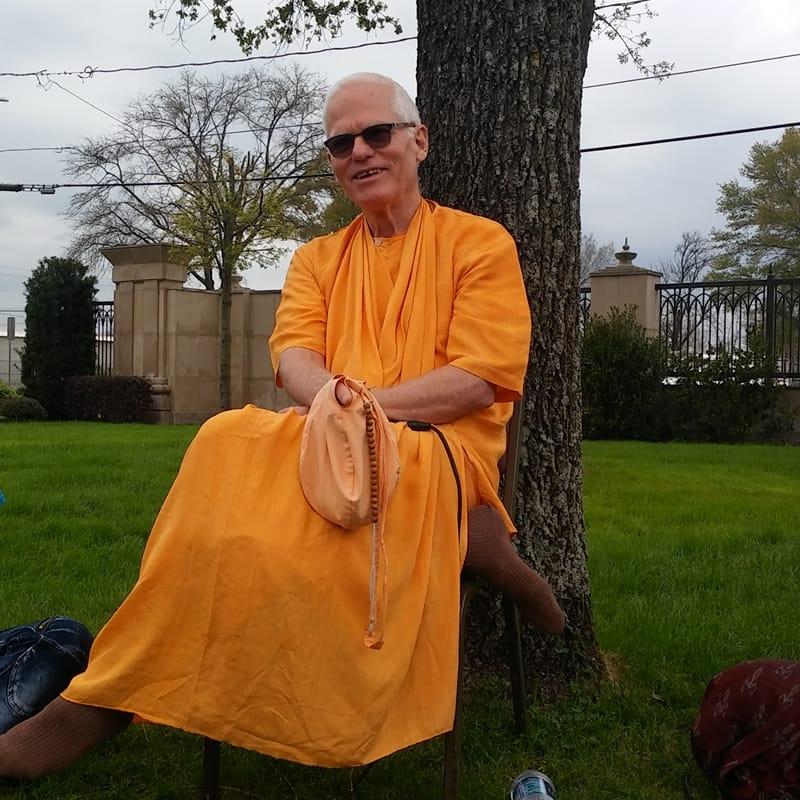 h.H Rtadhvaja Swami -