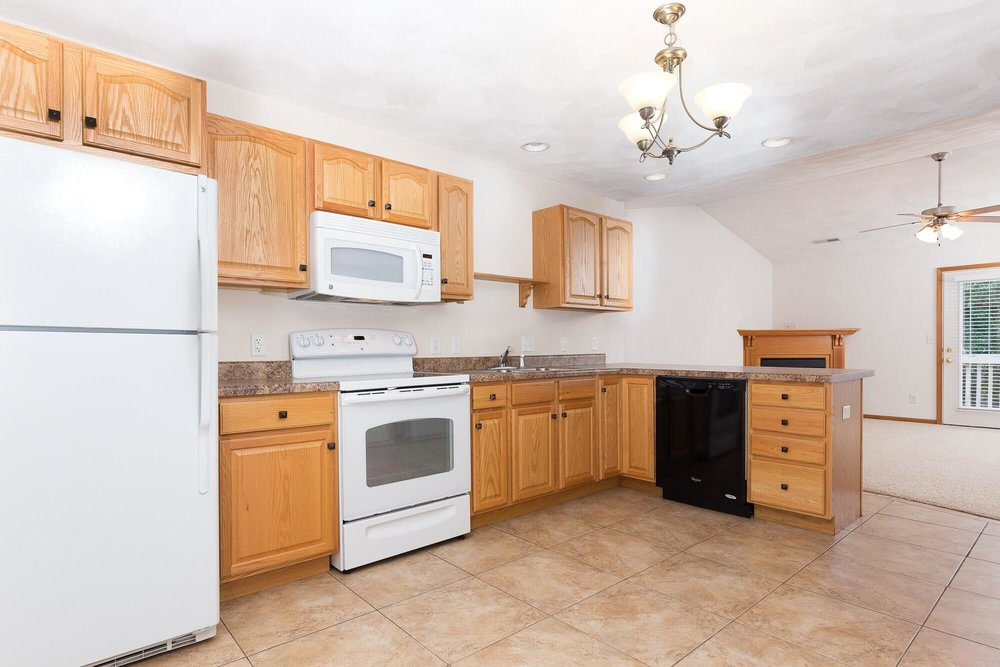 The Sweet Pea - 2 Bed | 2 Bath | 1250 SF$1020 - $1100 Per Month
