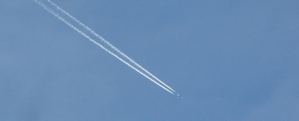 aeroplane-16789_1920.jpg