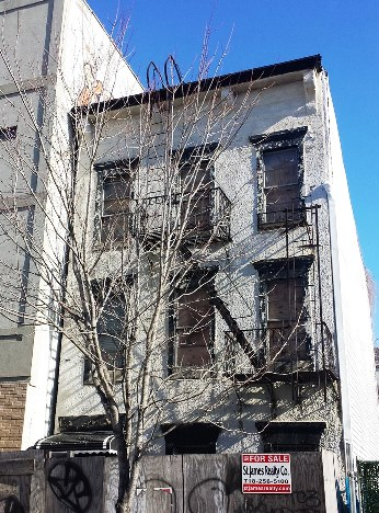 Sunset Park, Brooklyn NY, Semi-detached, 2 family townhouse,     Needs total renovation, bring your contractor today!                          Call: St. James Realty at 718-256-5100                            INFO@STJAMESREALTY.COM                           WWW.STJAMESREALTY.COM