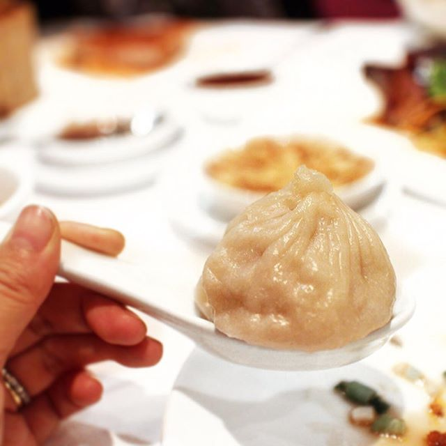 Chinese feasting with @stephaniechan14 & @kanabananana at Pearl Liang 😊 had to have the Xiao Long Bao!