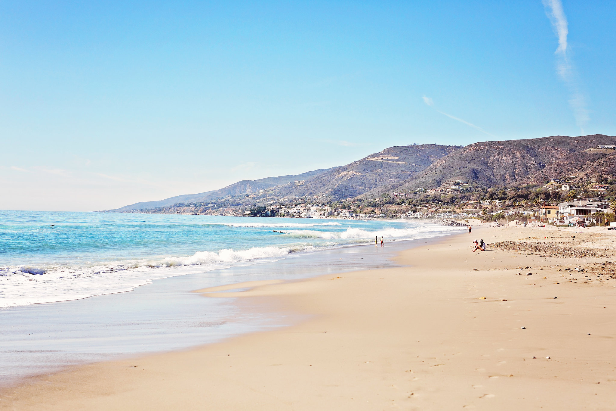 California dreamin' and perfect beaches to stop at during your road trip! #California #USA #CA