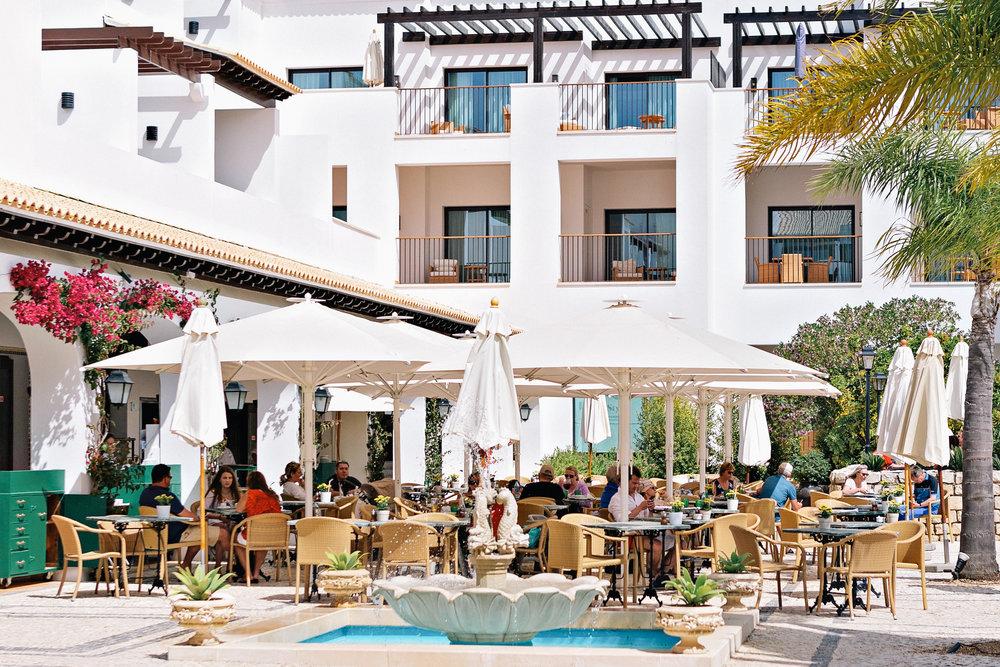 Corda Café at the Pine Cliffs Hotel