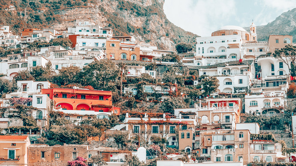 Planning a vacation in Italy but unsure where to go? In this post, I share a collection of photographs I took during my trip to Italy to inspire you to visit Positano and its surrounding towns in the Amalfi Coast. #Italy #Positano #CinqueTerre