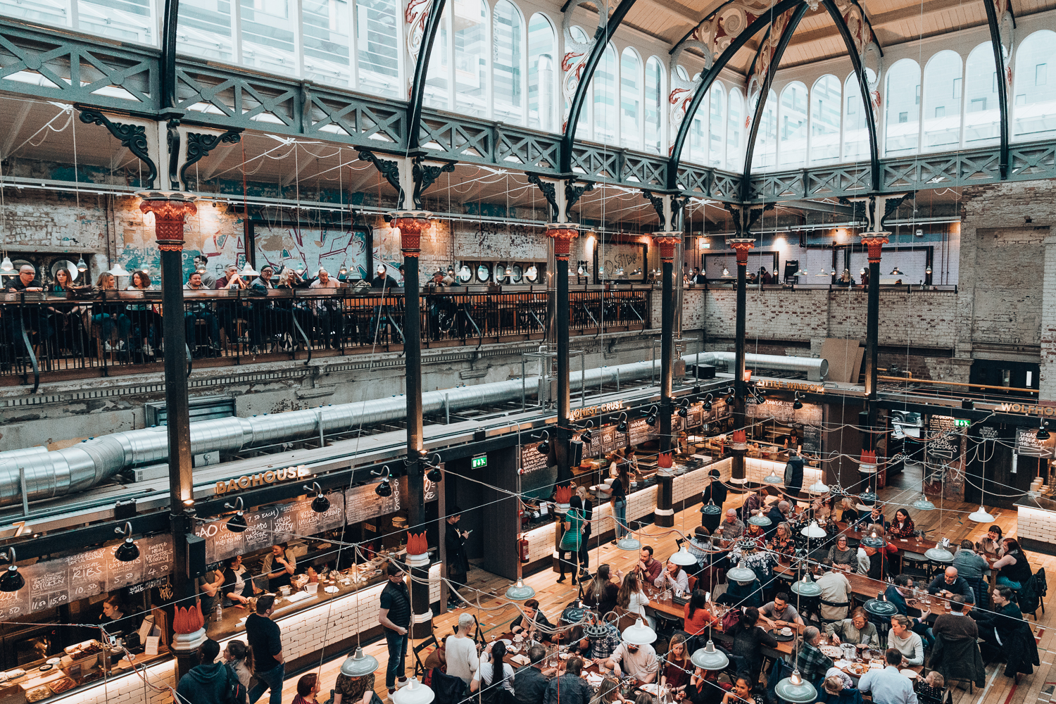 Looking for authentic places to eat in Manchester, England? This foodies guide to Manchester covers my favorite restaurants and dining halls, including things to do in Manchester and where to stay while in the city!