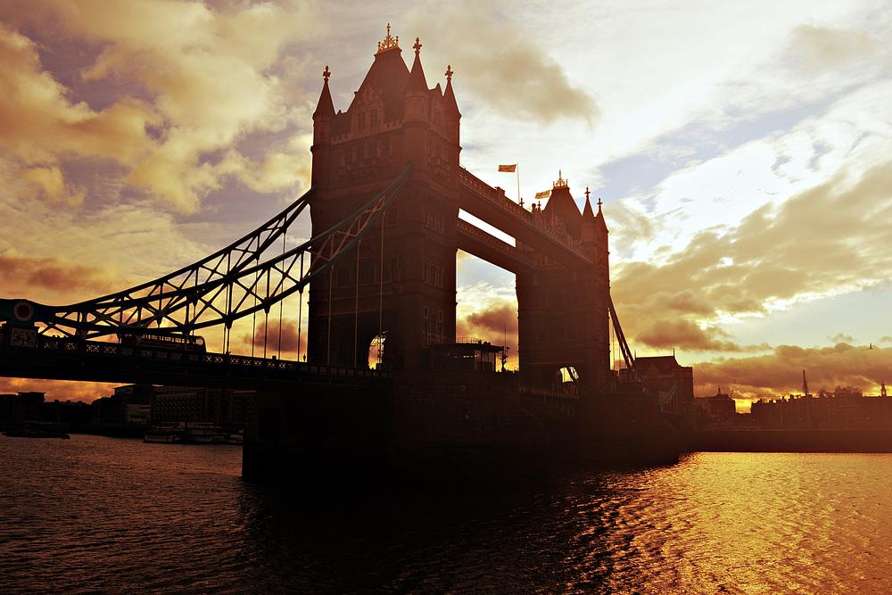 AspiringImagesbyRachel-London Tower Bridge Sunset.jpg