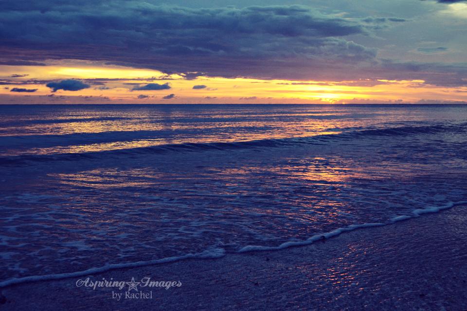 AspiringImagesbyRachel-BeachSunset-VeniceBch-Sand-BlueYellow-2