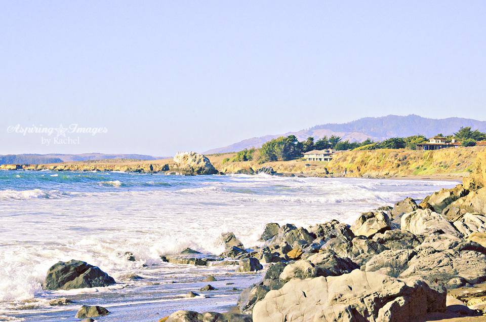 AspiringImagesbyRachel-Beach-Alcove-Rocks-House
