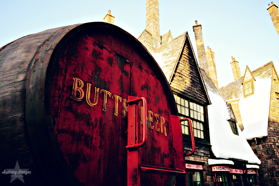 Islands of Adventure-Harry Potter-Hogsmeade-Butterbeer sign
