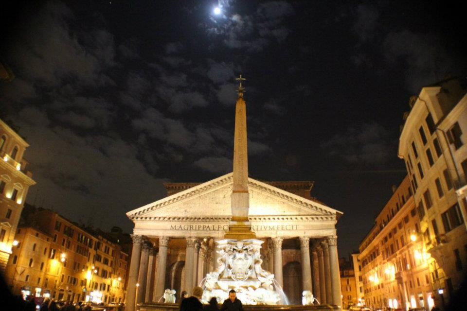 awesome moonlit pantheon pic.jpg