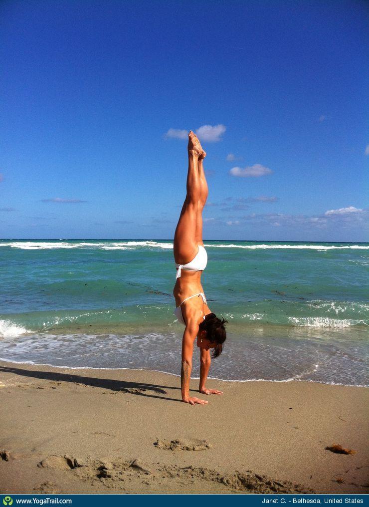 yoga-pose-handstand-6270-1