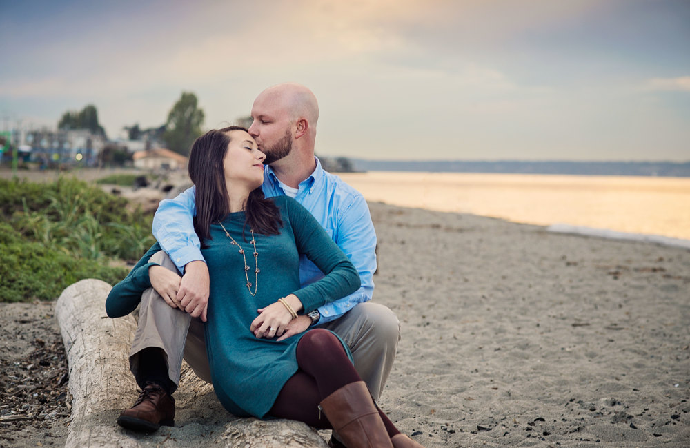 Seattle Wedding Photographer_Beach Engagement_Kelsey Lane Photography_Alki Beach