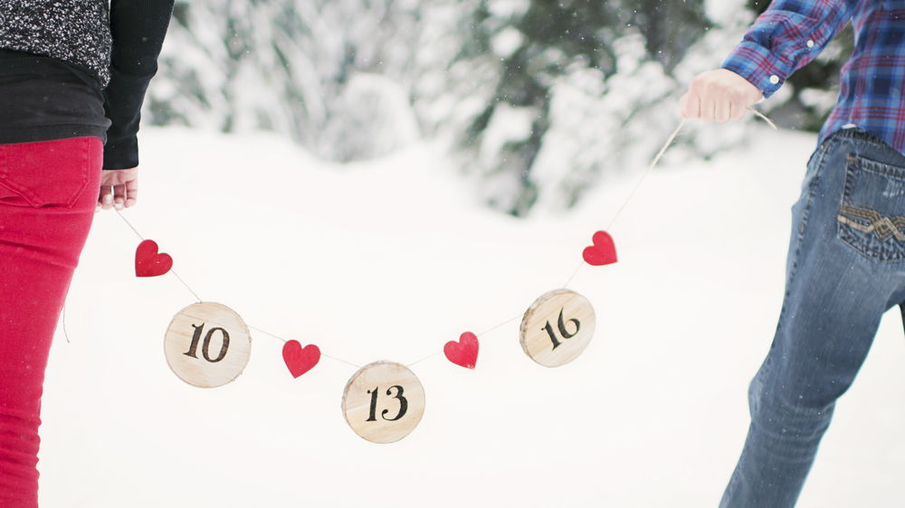 How cute are these handmade Save the Date props??!