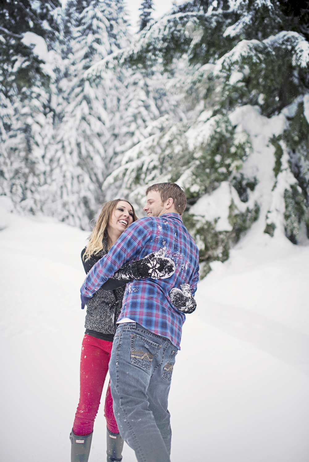 Winter Engagement Session, Christmas Engagement Session, Cute Seattle Engagement, Seattle Wedding Photographer_6