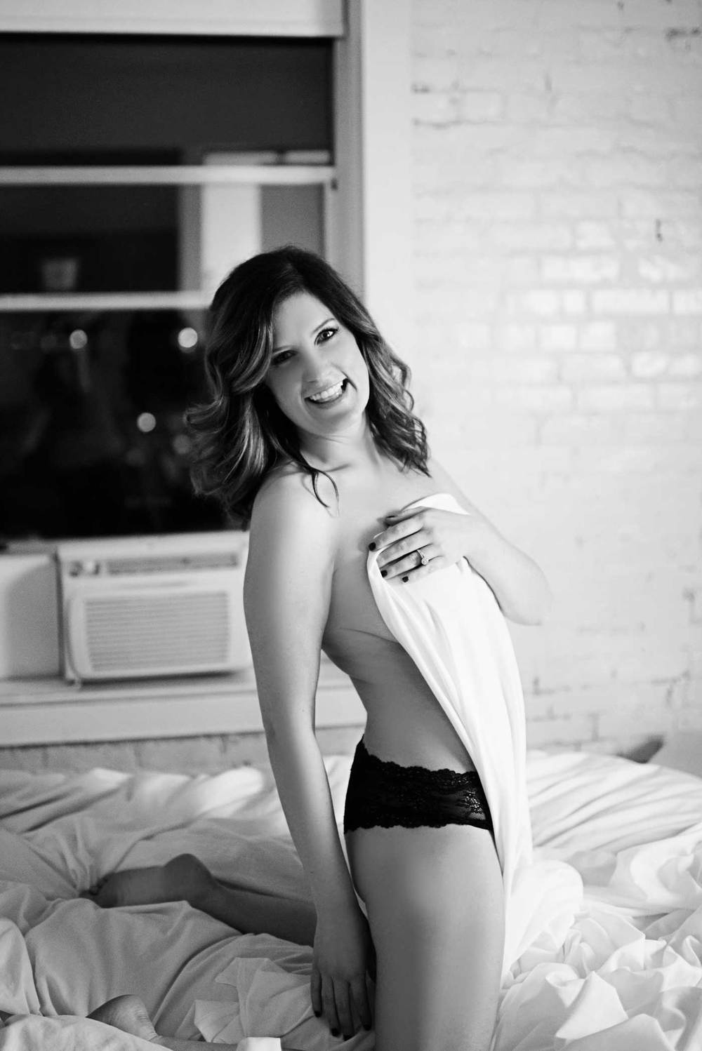 Megan-Boudoir_Kelsey-Lane-Photography-35-b&w.jpg