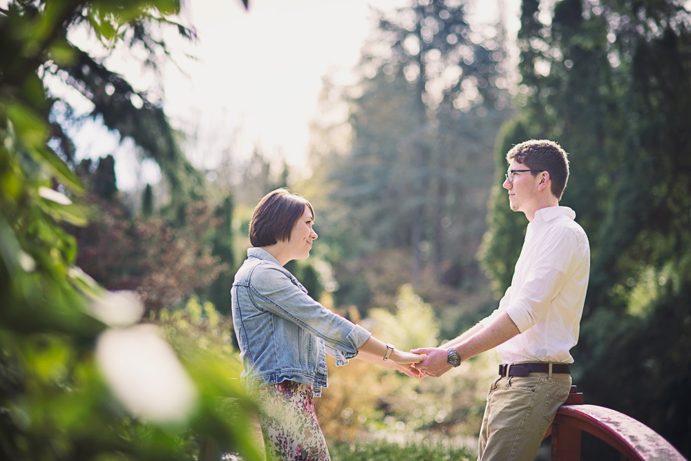Romantic Park Engagement_Seattle Engagement_Kabota Gardens Engagement_Kelsey Lane Photography_5