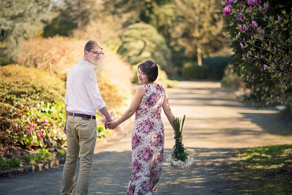 Romantic Park Engagement_Seattle Engagement_Kabota Gardens Engagement_Kelsey Lane Photography_15