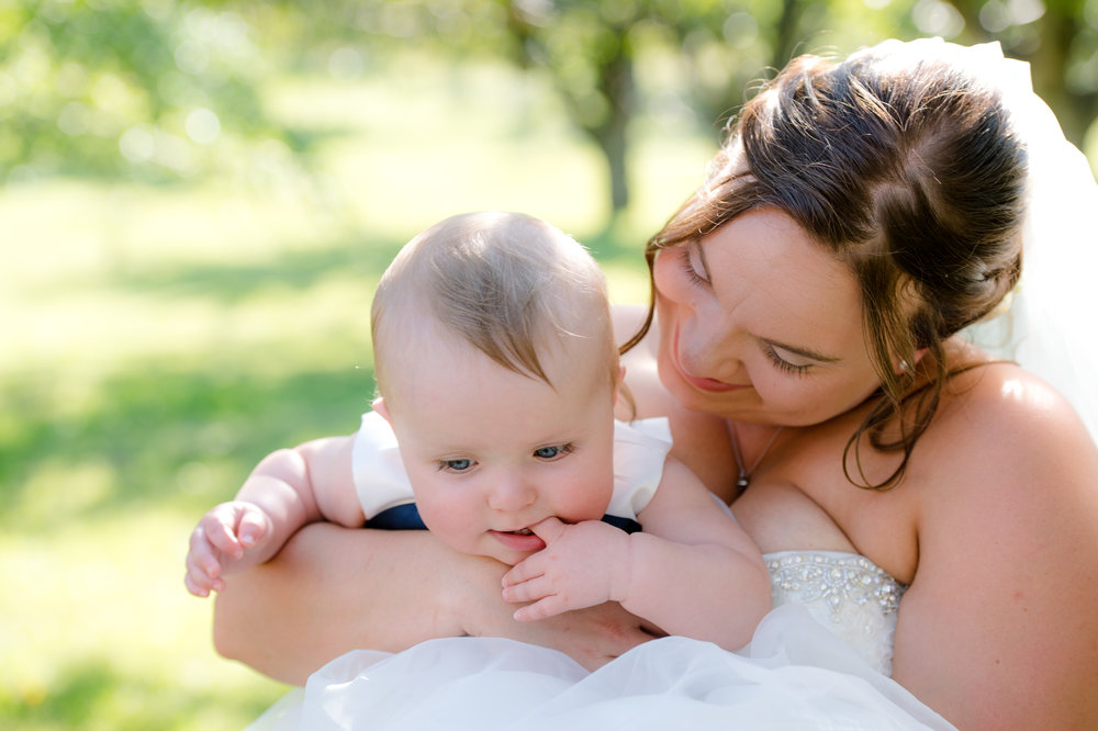 Montana Wedding_Flathead Wedding_Seattle Wedding Photographer_Kelsey Lane Photography_flower girl and bride