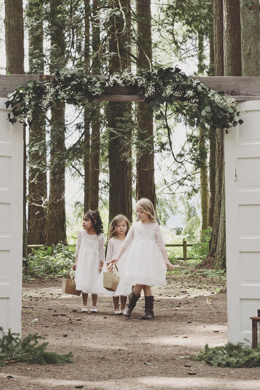A Gorgeous Forest Wedding | Poulsbo Wedding | Kelsey Lane Photography | Flower Girls