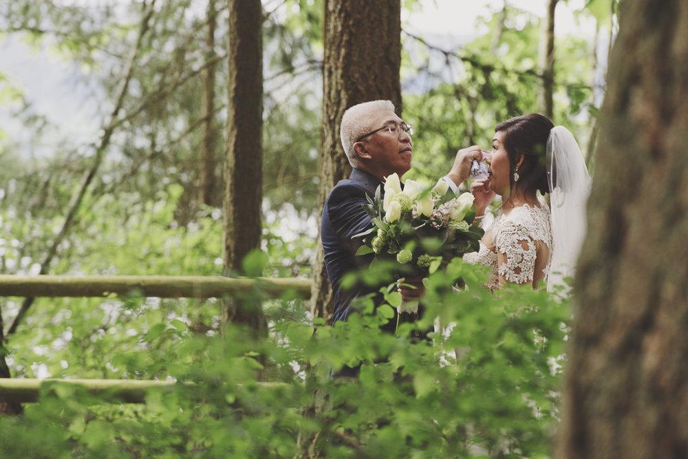 A Gorgeous Forest Wedding | Poulsbo Wedding | Kelsey Lane Photography