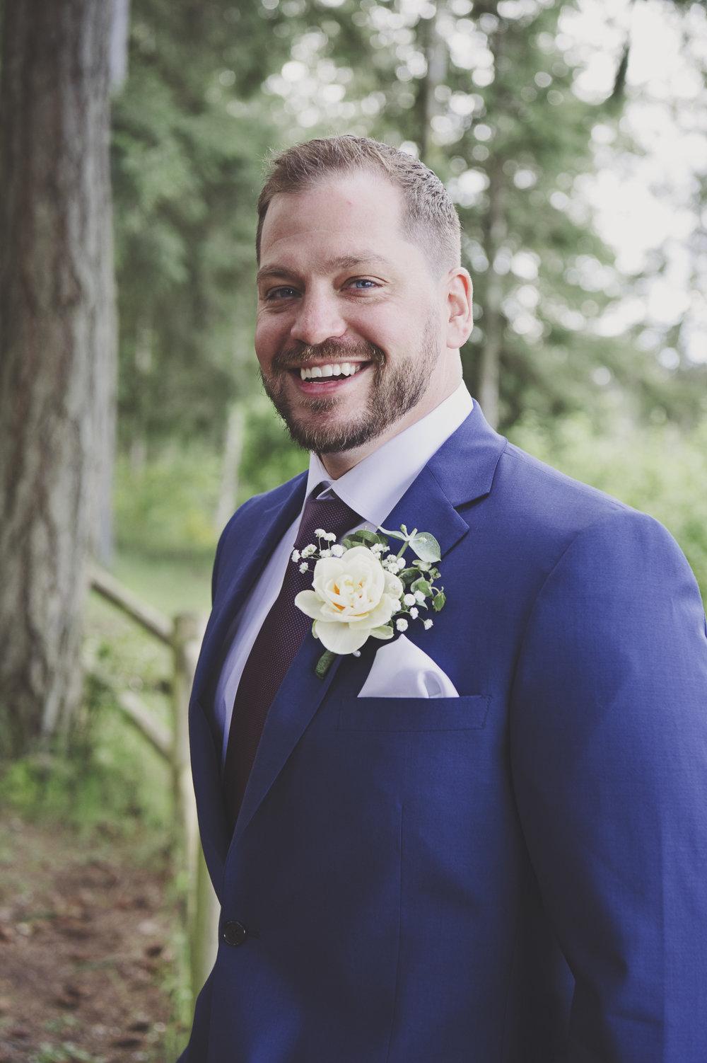 Pacific Northwest Wedding | Forest Wedding | Kitsap Memorial Park Wedding | Kelsey Lane Photography