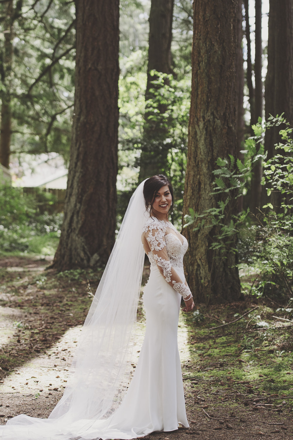 Pacific Northwest Wedding | Forest Wedding | Kitsap Memorial Park Wedding | Kelsey Lane Photography | Bride with Long Veil