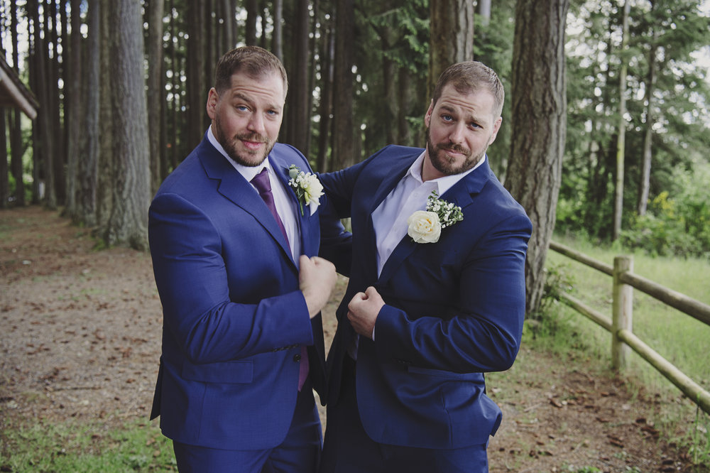 Pacific Northwest Wedding | Forest Wedding | Kitsap Memorial Park Wedding | Kelsey Lane Photography | Funny groomsmen