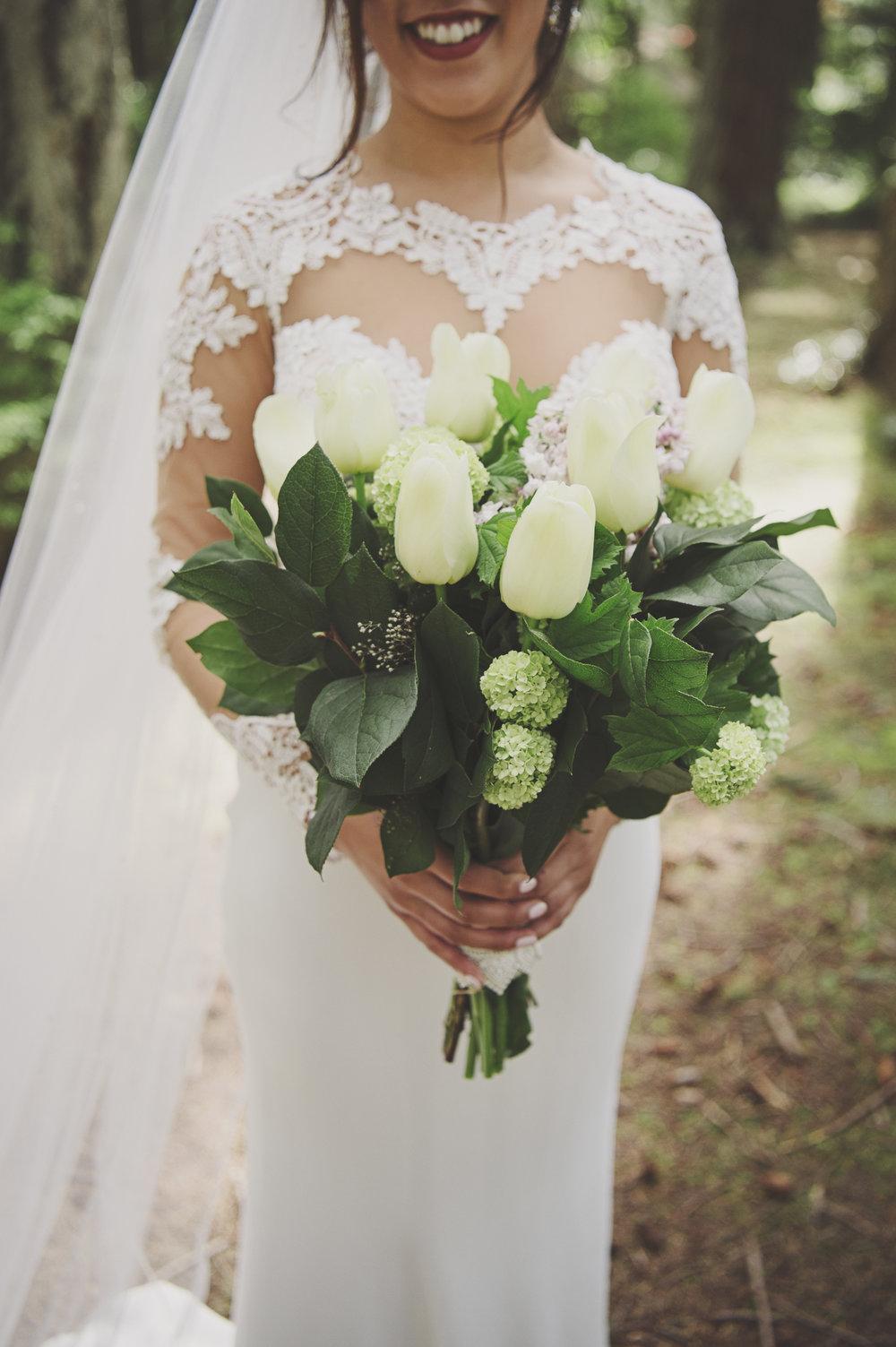 Pacific Northwest Wedding | Forest Wedding | Kitsap Memorial Park Wedding | Kelsey Lane Photography | Martina Liana Bridal | Sara Gabriel Veils