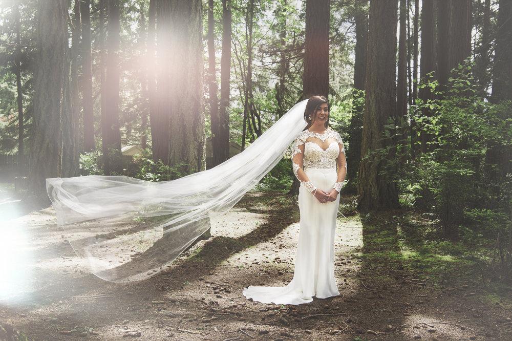 Pacific Northwest Wedding | Forest Wedding | Kitsap Memorial Park Wedding | Kelsey Lane Photography | Sara Gabriel Veils | Martina Liana Bridal