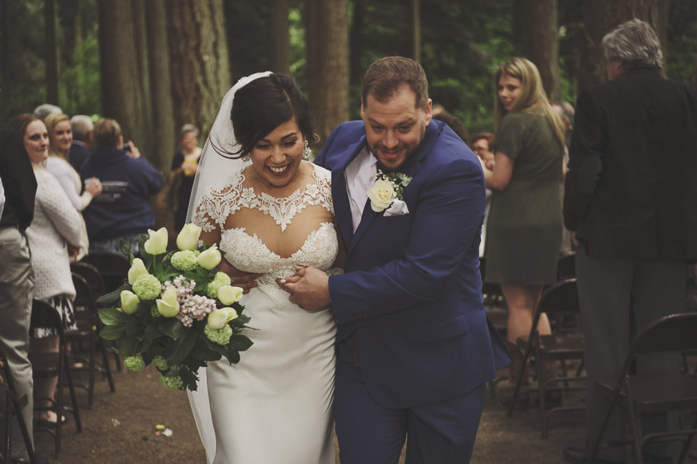 Pacific Northwest Wedding | Forest Wedding | Kitsap Memorial Park Wedding | Kelsey Lane Photography
