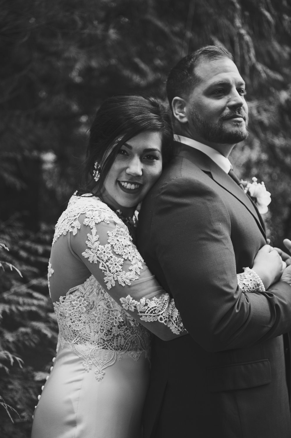 Woodsy Wedding_Kitsap Memorial State Park Wedding_Kelsey Lane Photography_intimate bride and groom