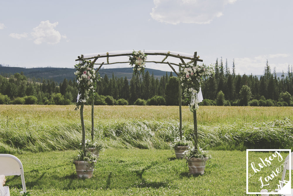 Rustic Montana Wedding_Missoula Wedding Photographer_Grey Wolf Ranch_Kelsey Lane Photography_Flower Arbor_Bitterroot Flower Shop