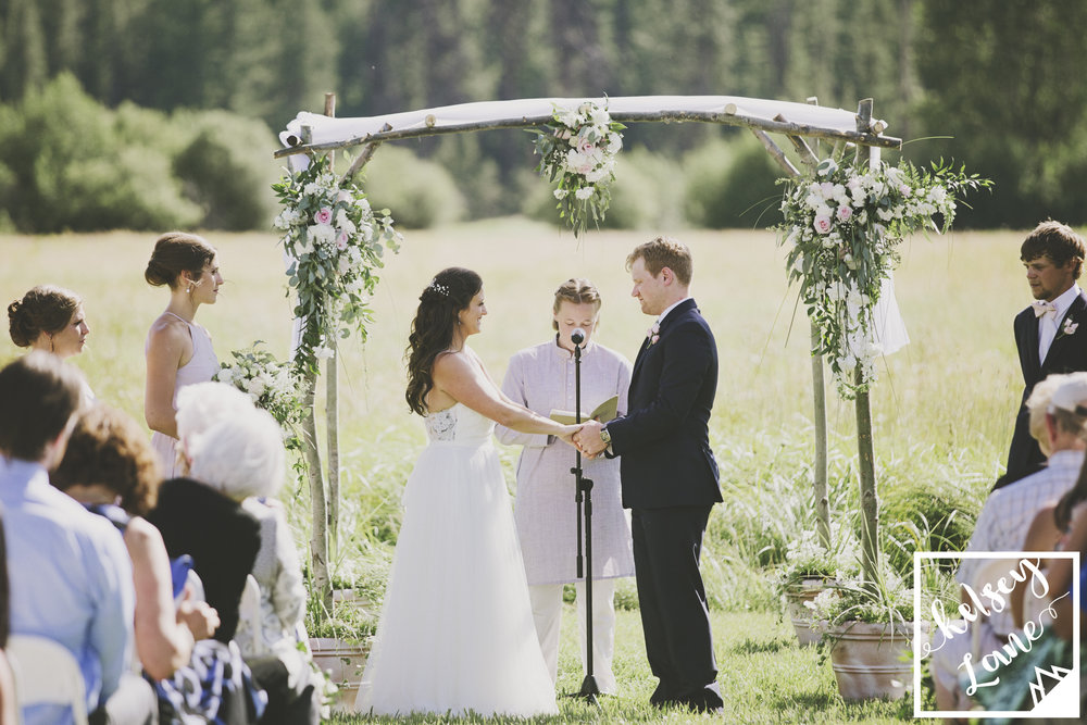 Rustic Montana Wedding_Soft Montana Wedding_Montana Wedding Photographer_Missoula Wedding Photographer_Grey Wolf Ranch_Kelsey Lane Photography_Outdoor Flower Ceremony