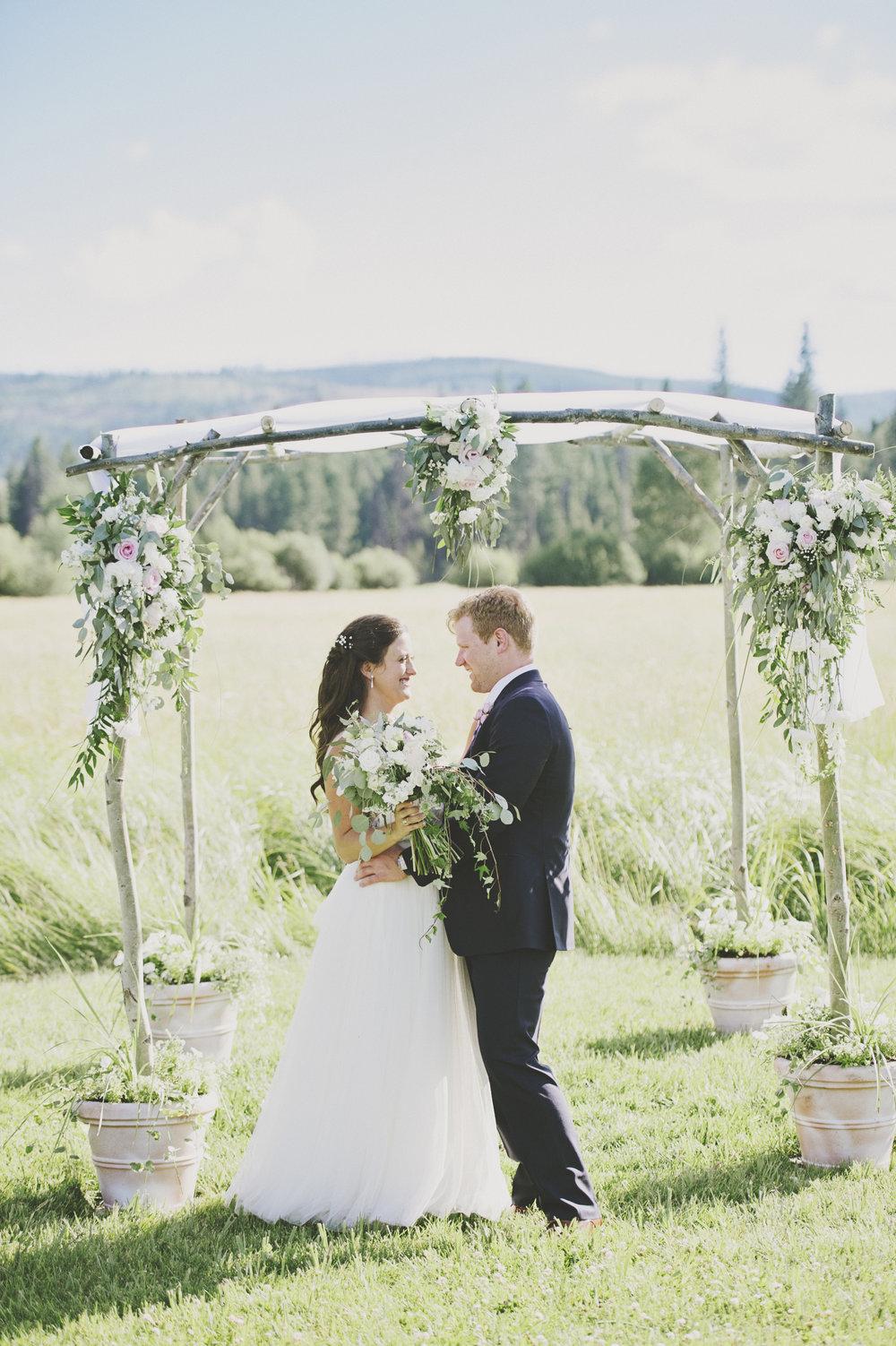 Montana Wedding Photographer_Seeley Lake Wedding_Blush Pink Montana Wedding_Kelsey Lane Photography
