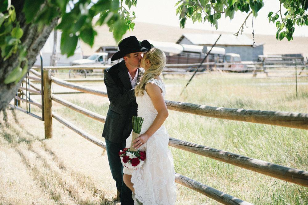 Erica Lind + Jeff Heim Wedding_Rustic Wedding_Montana Wedding_Kelsey Lane Photography-1251.jpg