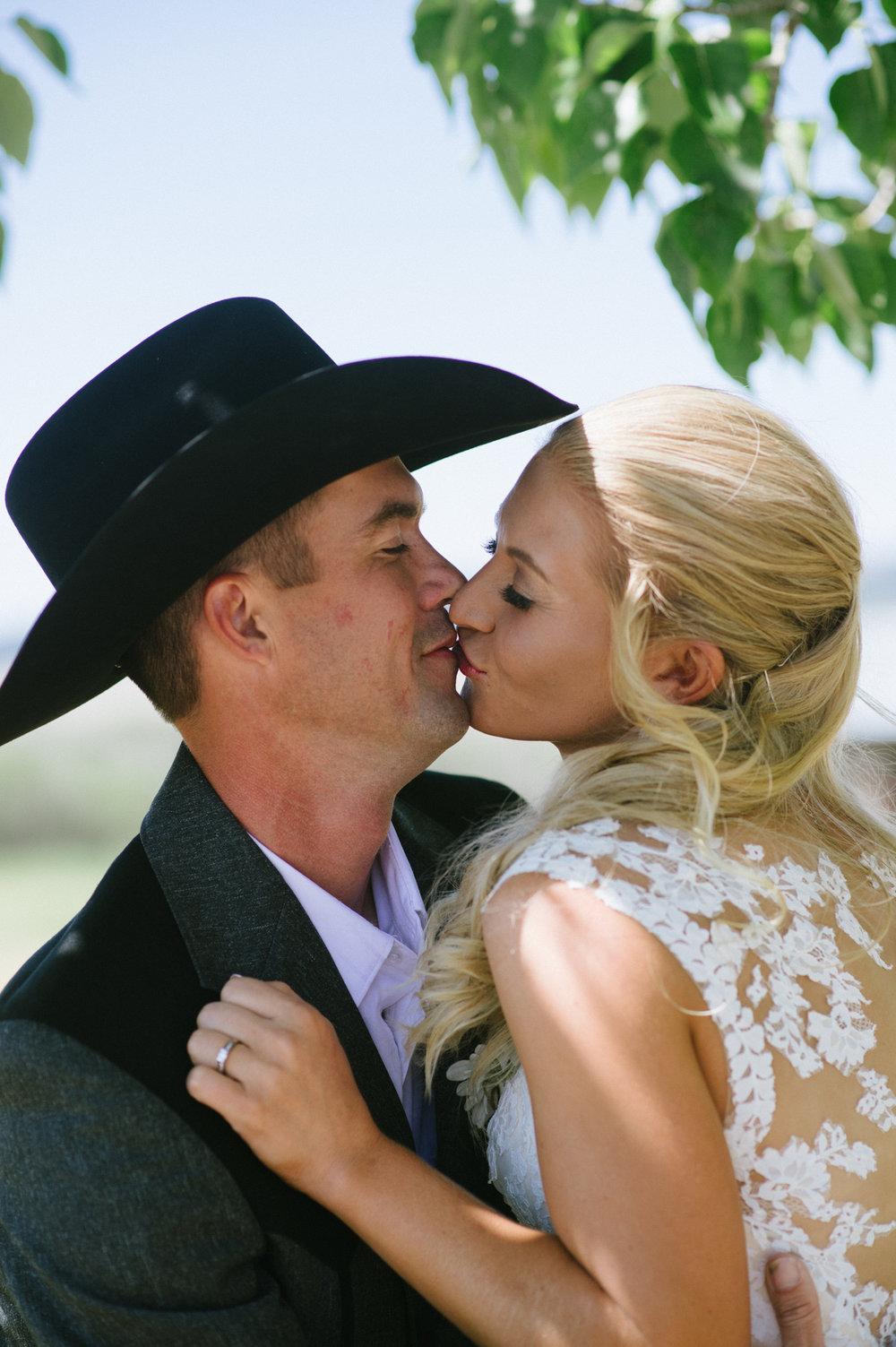 Erica Lind + Jeff Heim Wedding_Rustic Wedding_Montana Wedding_Kelsey Lane Photography-3936.jpg